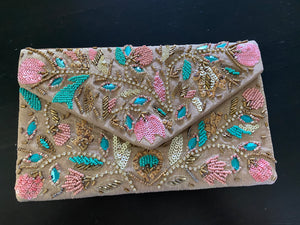 Embroidery clutch with handle - Nude Green