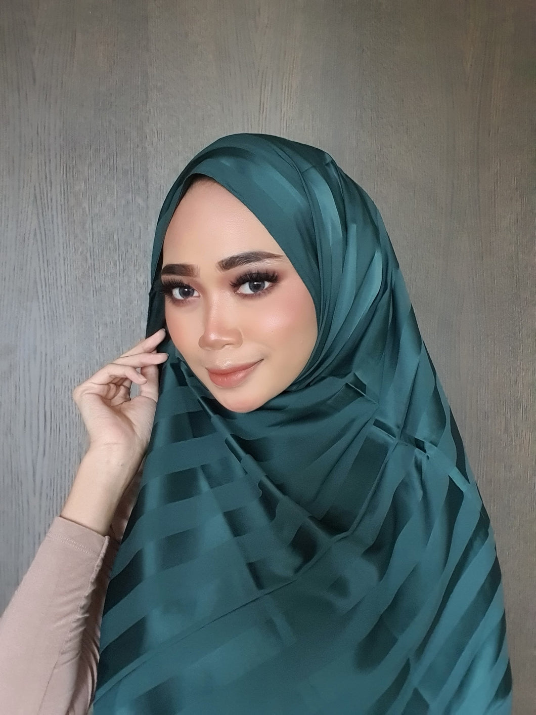 Lisa Soft Stripe Satin Shawl - Dark Green