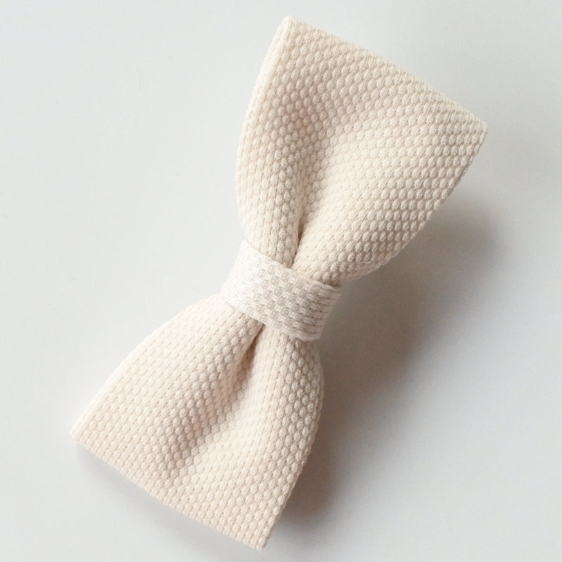 Little Millie Ellie bow off white