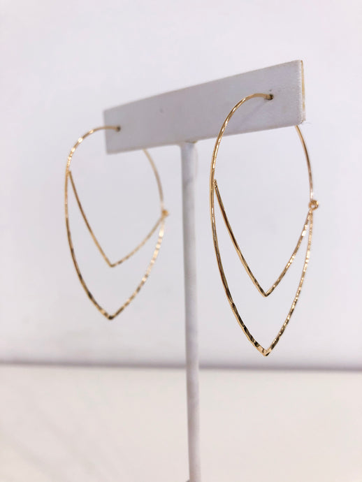 Elizabeth Hoops in Delicate Gold