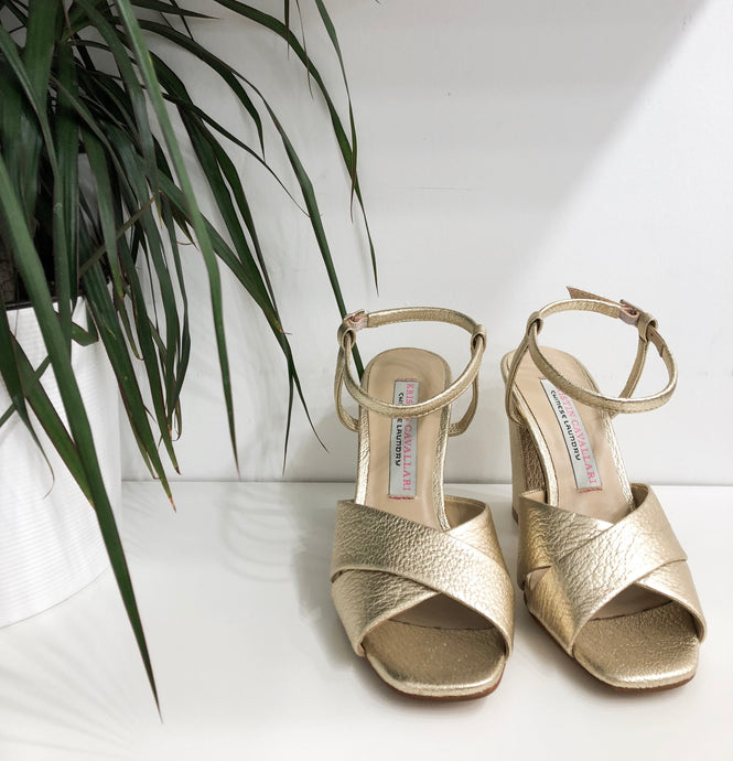 Low Light Metallic Block Heel Sandal