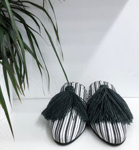 Cucoy Striped Slide with Tassel