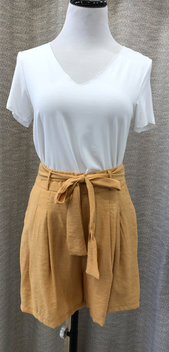 Topper Shorts in Peaches and Cream