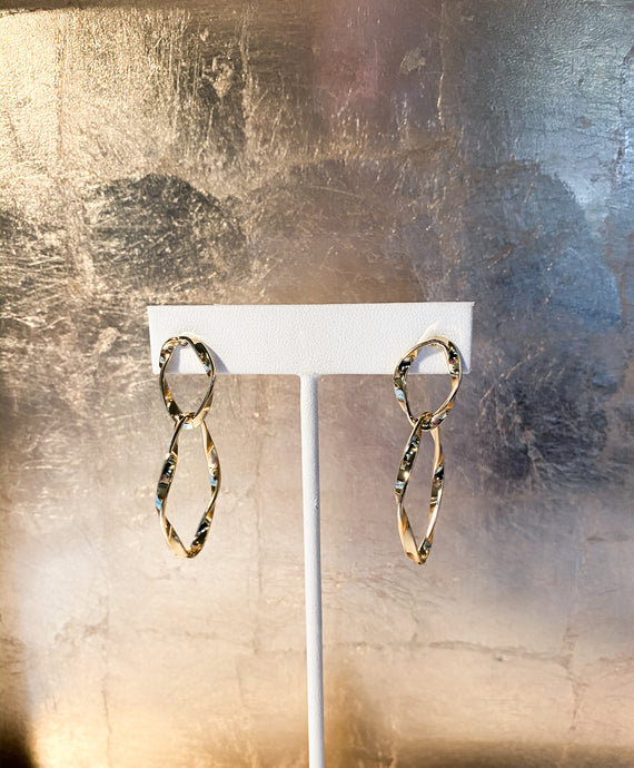 Oval Loops Earrings in Gold
