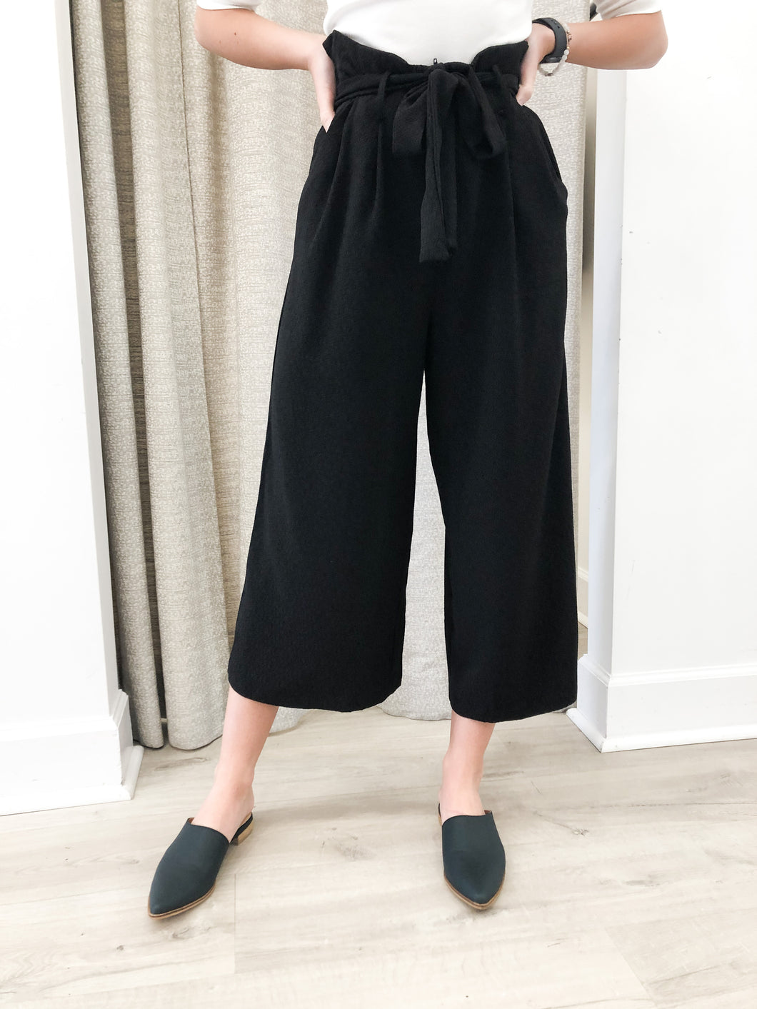 Kelci High Waisted Paperbag Textured Pants in Black