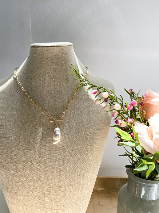Baroque Pearl Toggle Chain Necklace