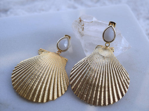 Siren Earrings in White Sands