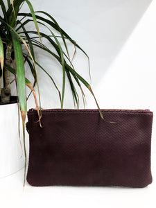 Lisa Clutch in Textured Genuine Leather - Burgundy