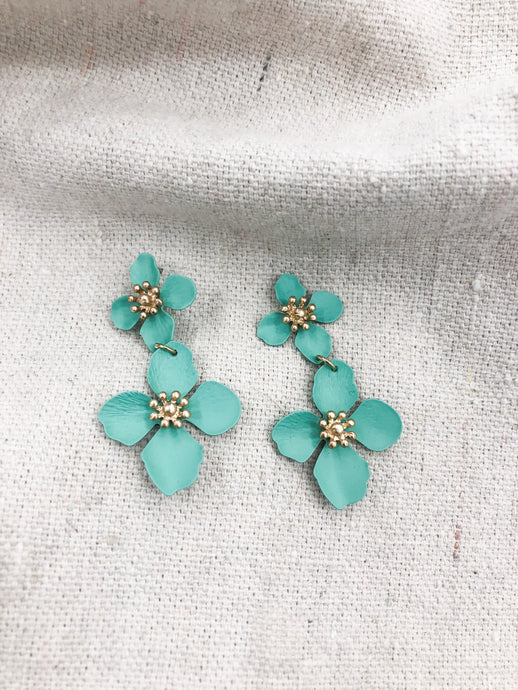 Hamlin Flower Drop Earrings in Teal