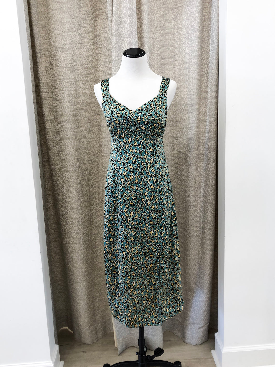 Elle Sleeveless Slit Dress in Green Leopard - FINAL SALE