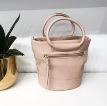 Debdi Crossbody in Oyster Pink