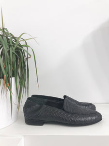 Pisa Snake Loafer in Black