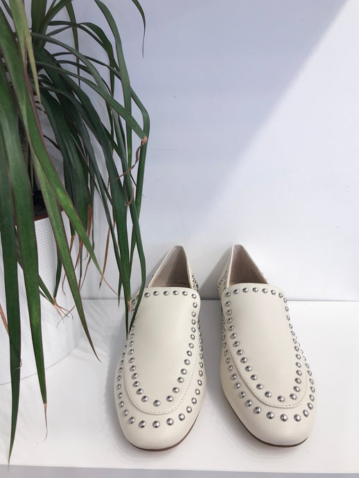 Talbia Driving Shoe in Cream