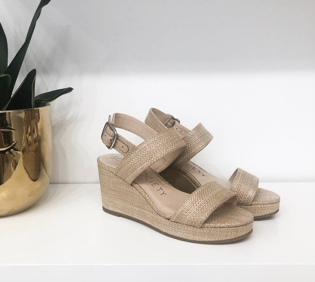Cimmie Wedges in Natural