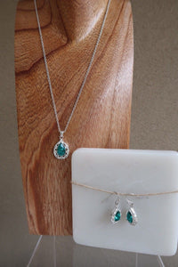 Green Rhinestone Silvertone Necklace and Dangle Earring Set