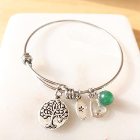 Unwritten Family Tree Charm Bangle Bracelet Retails $55