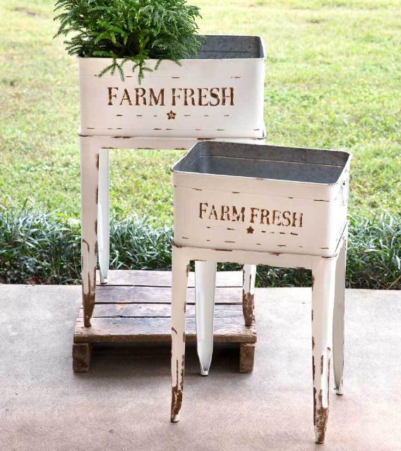 Farmhouse Garden Tub Chest Stand Set