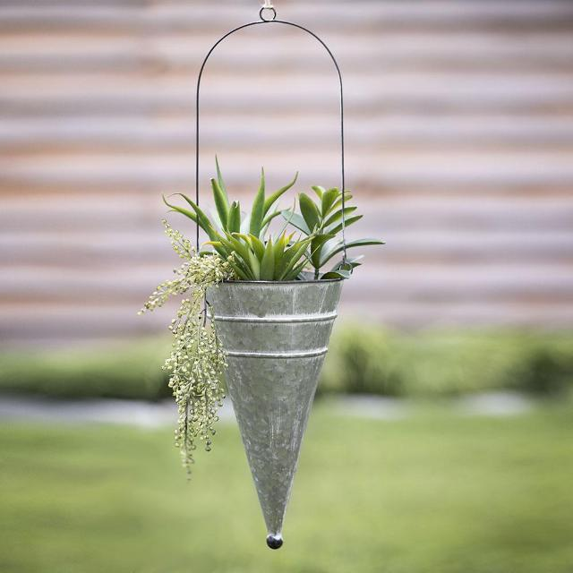 Hanging Flower Planter Cone