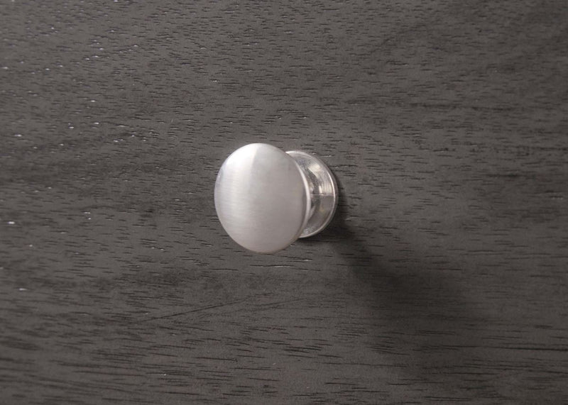 silver knob drawer detail