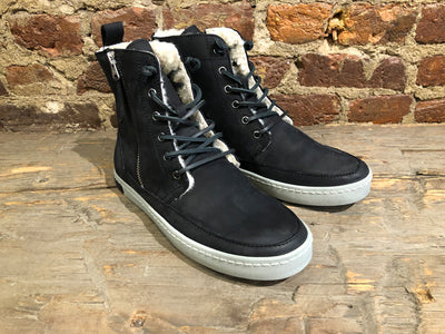 BLACKSTONE WOMEN'S CW96 IN ASPHALT NUBUK WITH SHEARLING LINING