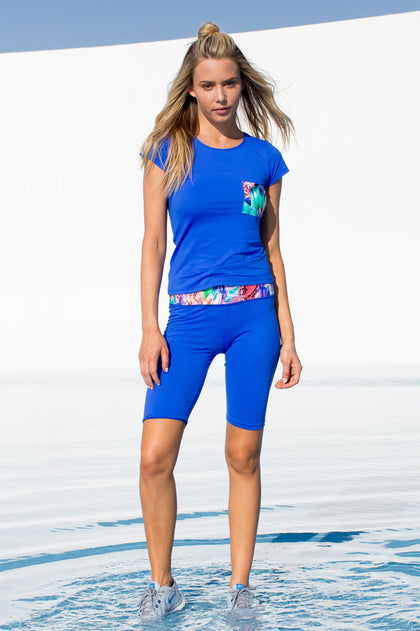 GORGEOUS CHAOS - Cutout Back T Shirt & Mixed Waistband Capri Legging • Multicolor