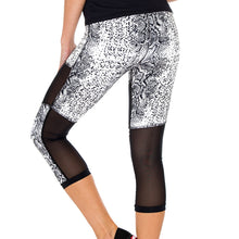 BOMBO - Cross Waistband Mesh Cut Out Capri Legging