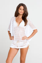 BURBUJAS DE AMOR - Cabana V Neck Dress • White
