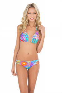 BAJO UN MISMO SOL - Triangle Halter Top & Zig Zag Open Side Full Bottom • Multicolor