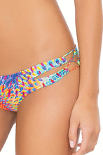 BAJO UN MISMO SOL - Zig Zag Knotted Cut Out Triangle Top & Zig Zag Open Side Skimpy Bottom • Multicolor