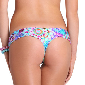 SOL BRILLANTE - Hand Knit Crochet Flower Side Skimpy Bottom