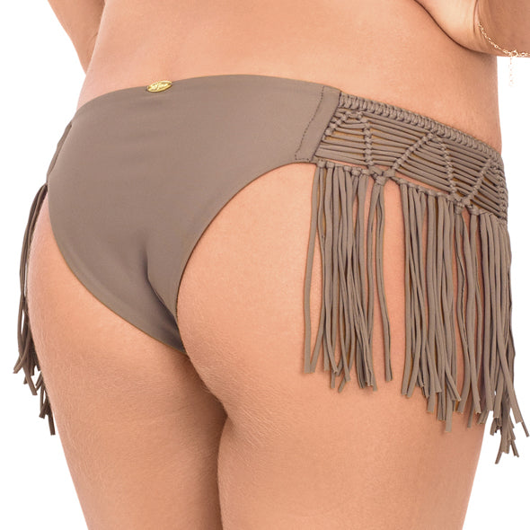 HEART OF A HIPPIE - Weave Fringed Moderate Bottom
