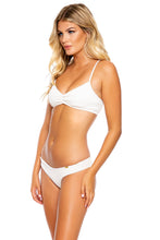 ORILLAS DEL MAR - Puckered Bralette & Seamless Wavey Ruched Back Bottom • White
