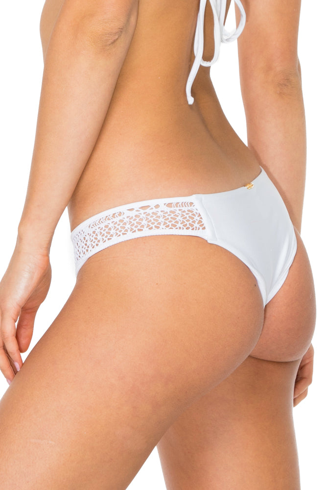 EL CARNAVAL - Triangle Top & Moderate Bottom • White