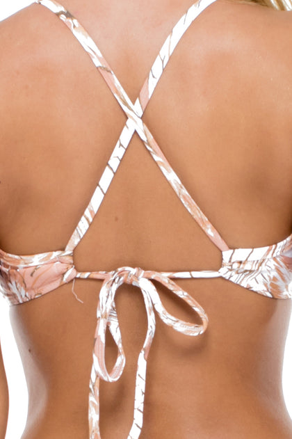 AMOR TABACO Y RON - Underwire Adjustable Top & Scrunch Panty Full Bottom • Rose Gold
