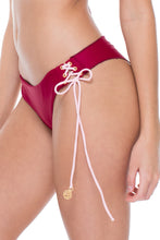 LA CORREDERA - Triangle Top & Ruched Back Brazilian Bottom • Vino