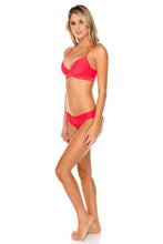 TRIANA - Underwire Top & Full Bottom • Rojo