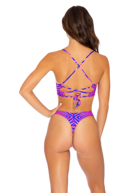 PUERTO AVENTURA - Underwire Top & Tab Side High Leg Thong Bottom • Multicolor