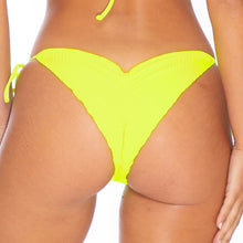 PURA CURIOSIDAD - Wavey Ruched Back Tie Side Bottom
