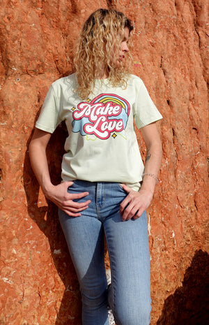 T-shirt Light Green ''Make love""