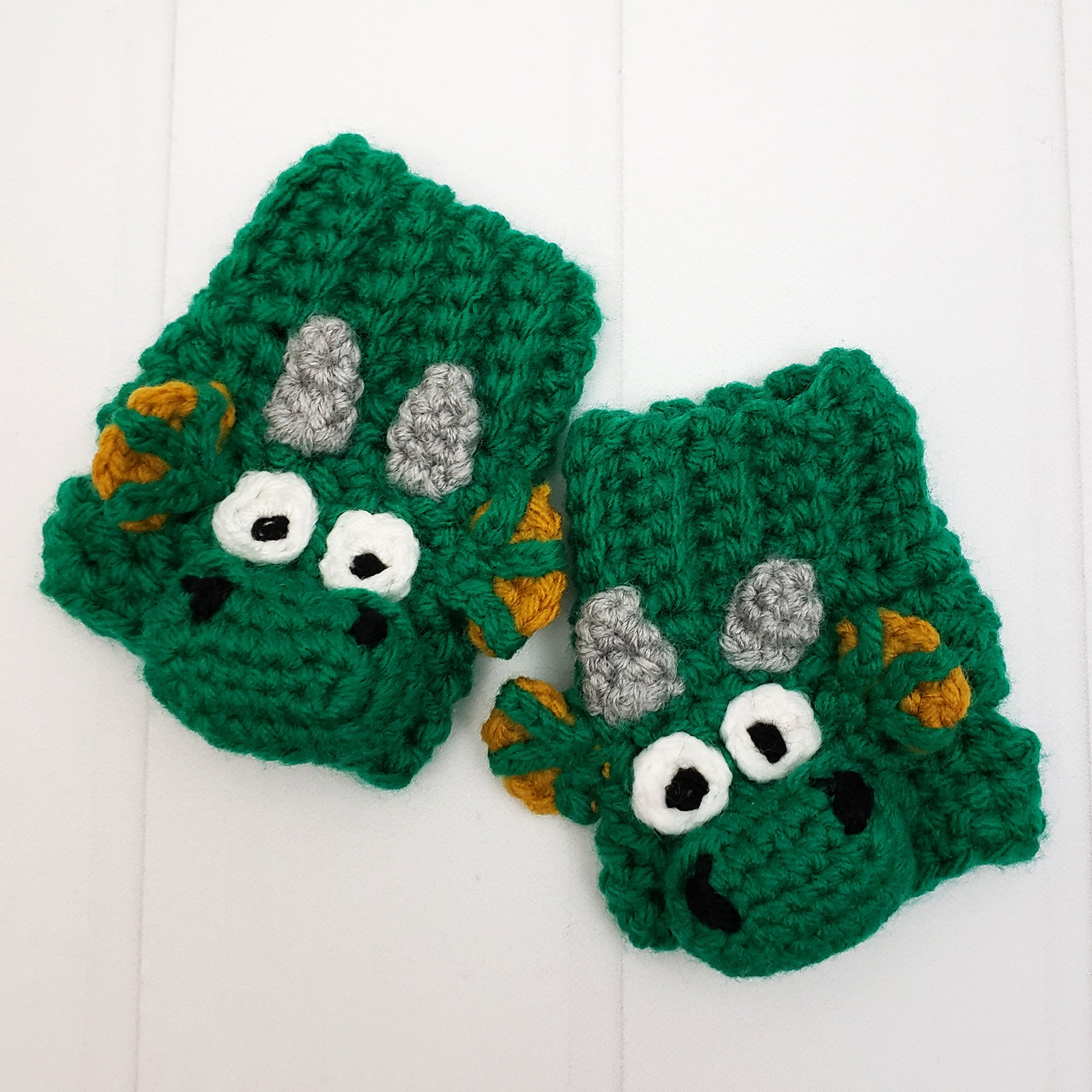Draco the Dragon Fingerless Gloves Crochet Pattern