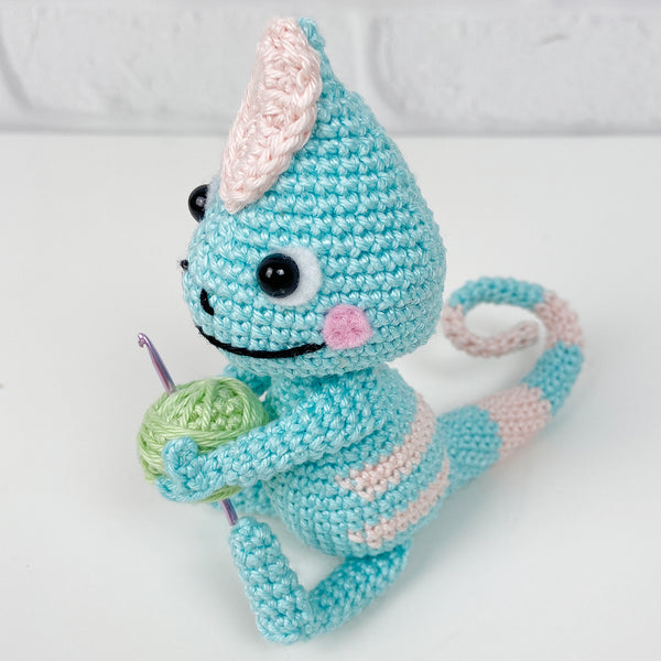 Chloe the Chameleon Amigurumi (blue)