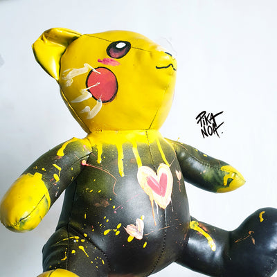 """make up Artist""  Bear Pikachu"