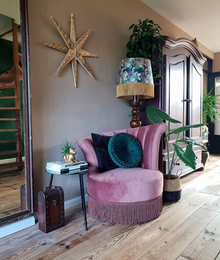 the perfect mix of old and new vintage style eclectic boho nordic twist design decor decoration paint wallpaper up cycling eco wood nature natural flower plant green velvet throw furniture rug room bed living bathroom kitchen tassels frills lamp chair mirror