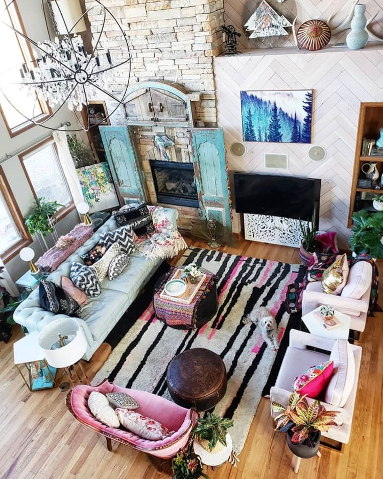 the perfect mix of old and new vintage style eclectic boho nordic twist design decor decoration paint wallpaper up cycling eco wood nature natural flower plant green velvet throw furniture rug room bed living bathroom kitchen tassels frills lamp chair mirror colour colourful pink frame picture wall art tile
