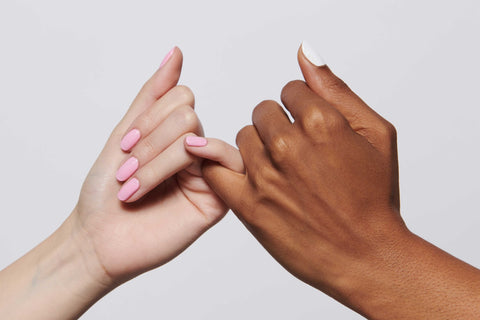 hands holding pinky promise
