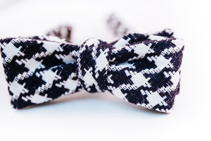 Navy & White Houndstooth Bow Tie Batwing