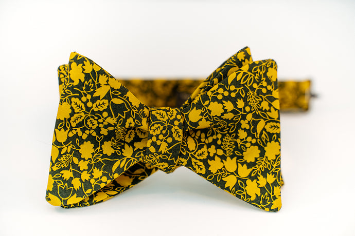 Black & Gold Floral Cotton Bow Tie