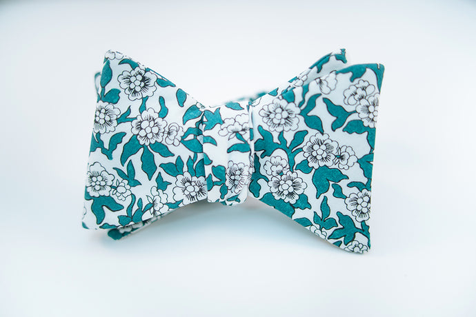 Green Floral Cotton Print Bow Tie Butterfly