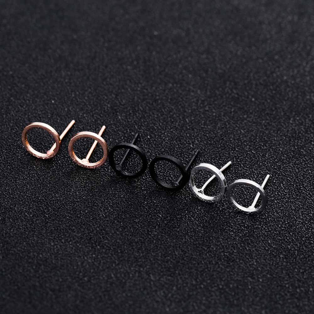 Gorgeous Simple Circle Earrings