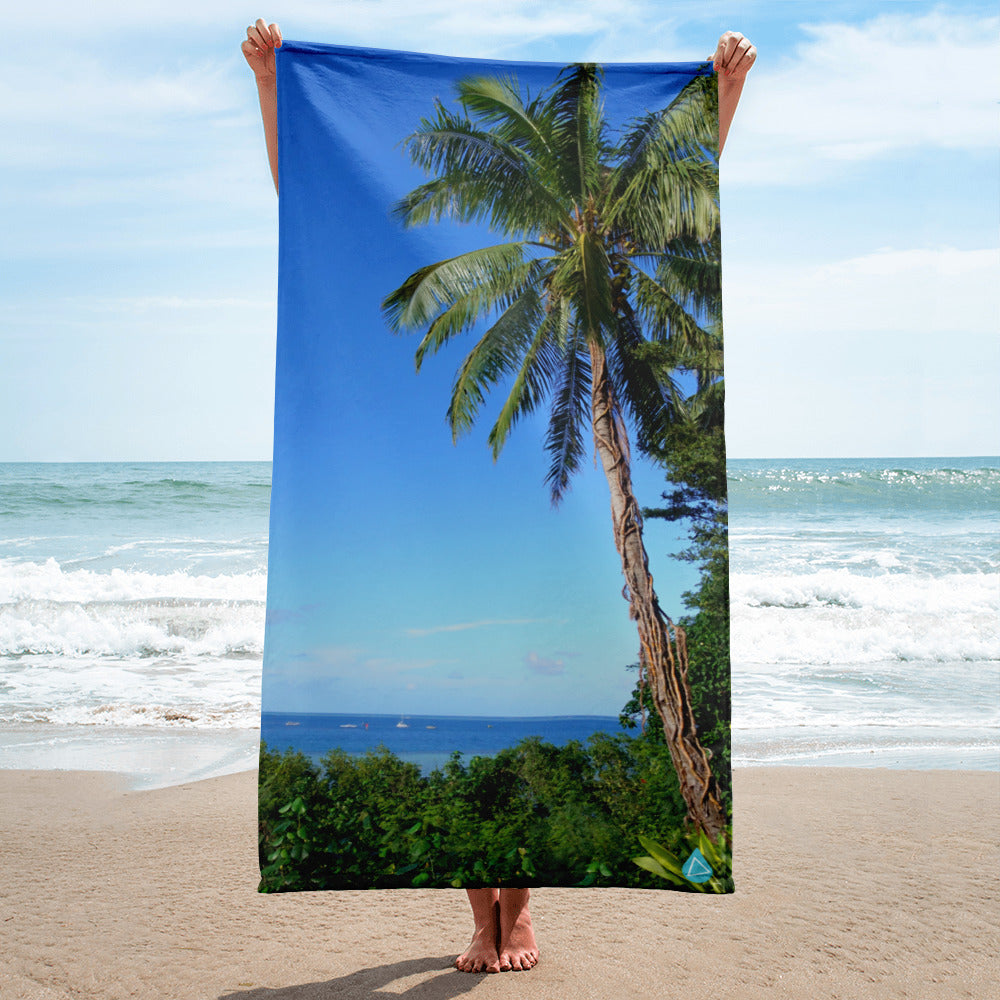 Hawaii Palm Tree Oceanside Towel